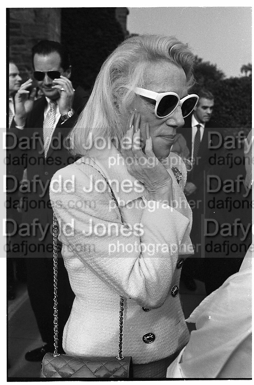 Molly Wilmot at Nina Yonkman/Harry Tower at Greenwich Conneticut. 29th September 1990© Copyright Photograph by Dafydd Jones 66 Stockwell Park Rd. London SW9 0DA Tel 020 7733 0108 www.dafjones.com