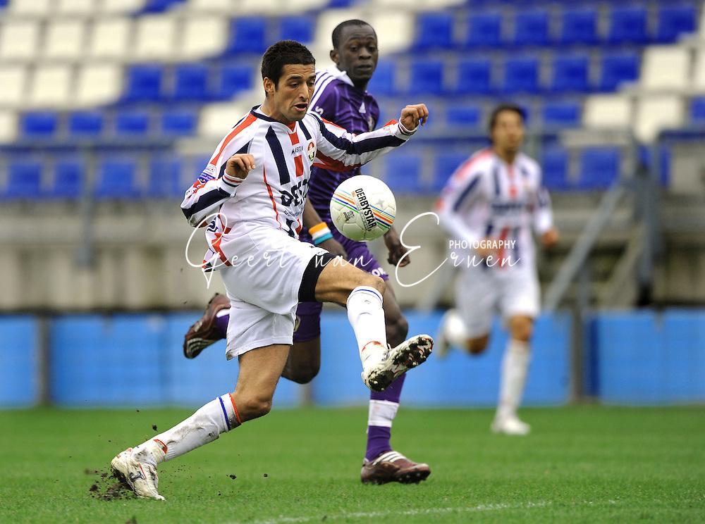 27-03-2009 Voetbal:Willem II:RSC Anderlecht:Tilburg<br /> Mohamed Messoudi<br /> Foto: Geert van Erven