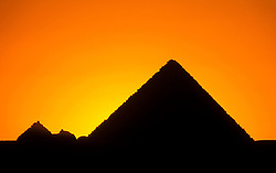 Egypt, Cairo: Pyramids at Giza. Photo: egypts001  .Photo copyright Lee Foster, 510/549-2202, lee@fostertravel.com, www.fostertravel.com