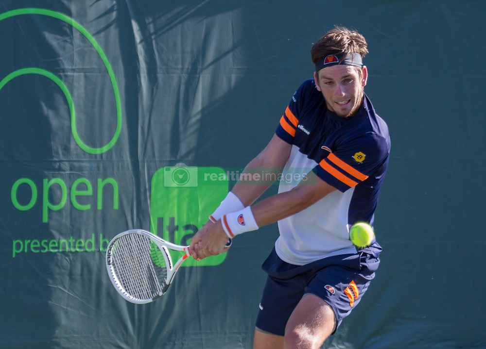 March 21, 2018 - Miami, Florida, United States - Cameron Norrie, from Great Britain, in action against Nicolas Jarry from Chile, during his first match at the Miami Open, in Miami, on March 21, 2018. (Credit Image: © Manuel Mazzanti/NurPhoto via ZUMA Press)
