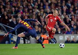 01.05.2013, Fussball Champions League Halbfinale Rückspiel: FC Barcelona - FC Bayern München, im Stadion Nou Camp in Barcelona, Spanien.  v.li: Gerard Pique (Barcelona), Arjen Robben (Bayern München).