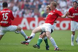 01-06-2003 NED: Amstelcup finale FC Utrecht - Feyenoord, Rotterdam<br /> FC Utrecht pakt de beker door Feyenoord met 4-1 te verslaan / Dirk Kuyt, Paul Bosvelt