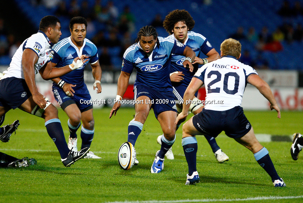 Taniela Moa puts through a kick, Super 14 rugby union, Auckland Blues v NSW Waratahs, Eden Park, Auckland. 27 March 2009. Photo: William Booth/PHOTOSPORT