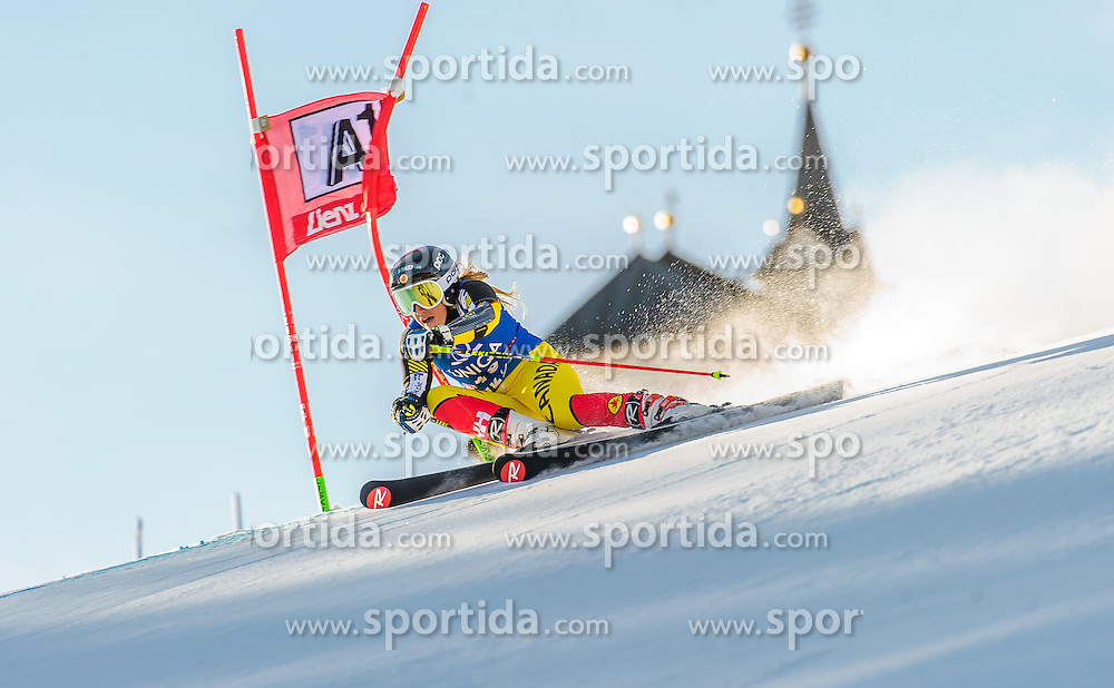 28.12.2015, Hochstein, Lienz, AUT, FIS Ski Weltcup, Lienz, Riesenslalom, Damen, 1. Durchgang, im Bild Marie-Pier Prefontaine (CAN) // Marie-Pier Prefontaine of Canada during 1st run of ladies Giant Slalom of the Lienz FIS Ski Alpine World Cup at the Hochstein in Lienz, Austria on 2015/12/28. EXPA Pictures © 2015, PhotoCredit: EXPA/ Michael Gruber