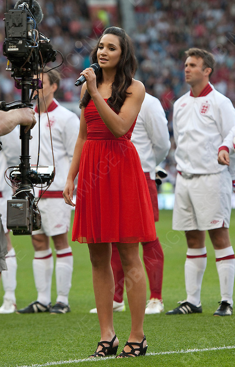 27.MAY.2012. MANCHESTER<br /> <br /> CELEBRITIES TAKE PART IN THE SOCCER AID 2012 MATCH  ENGLAND Vs THE REST OF THE WORLD PLAYED AT OLD TRAFFORD FOOTBALL STADIUM.<br /> <br /> BYLINE: EDBIMAGEARCHIVE.CO.UK<br /> <br /> *THIS IMAGE IS STRICTLY FOR UK NEWSPAPERS AND MAGAZINES ONLY*<br /> *FOR WORLD WIDE SALES AND WEB USE PLEASE CONTACT EDBIMAGEARCHIVE - 0208 954 5968*