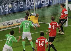 03.12.2011,Volkswagen Arena, Wolfsburg, GER, 1.FBL, VFL Wolfsburg vs 1. FSV Mainz 05, im Bild Alexander Madlung #17 köpft gegen FSv TW Christian Wtklo #29 und Jan Kirchhoff #15 zum 2:0 ein. // during the match from GER, 1.FBL,VFL Wolfsburg vs 1. FSV Mainz 05 on 2011/12/03, Volkswagen Arena, Wolfsburg, Germany..EXPA Pictures © 2011, PhotoCredit: EXPA/ nph/ Rust..***** ATTENTION - OUT OF GER, CRO *****