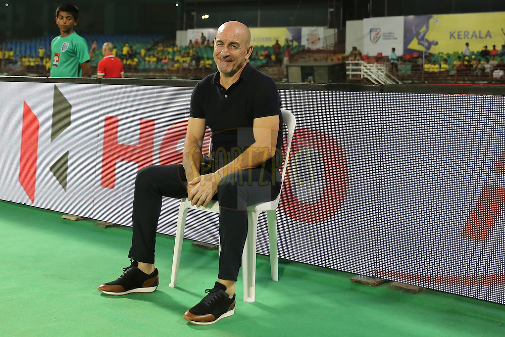 FC Pune City coach Antonio Lopez Habas during match 48 of the Indian Super League (ISL) season 3 between Kerala Blasters FC and FC Pune City held at the Jawaharlal Nehru Stadium in Kochi, India on the 25th November 2016.<br /> <br /> Photo by Faheem Hussain / ISL / SPORTZPICS