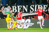 ALKMAAR - 04-12-2015, AZ - ADO Den Haag, AFAS Stadion, ADO Den Haag speler Danny Bakker scoort hier de 0-1, doelpunt, AZ speler Markus Henriksen.