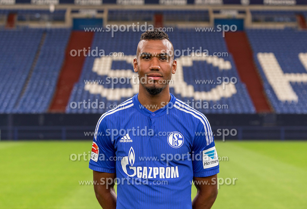 23.06.2015, Veltins-Arena, Gelsenkirchen, GER, 1. FBL, Schalke 04, Fototermin, im Bild Eric Maxim Choupp-Moting (Schalke) // during the official Team and Portrait Photoshoot of German Bundesliga Club Schalke 04 at the Veltins-Arena in Gelsenkirchen, Germany on 2015/06/23. EXPA Pictures &copy; 2015, PhotoCredit: EXPA/ Eibner-Pressefoto/ Hommes<br /> <br /> *****ATTENTION - OUT of GER*****
