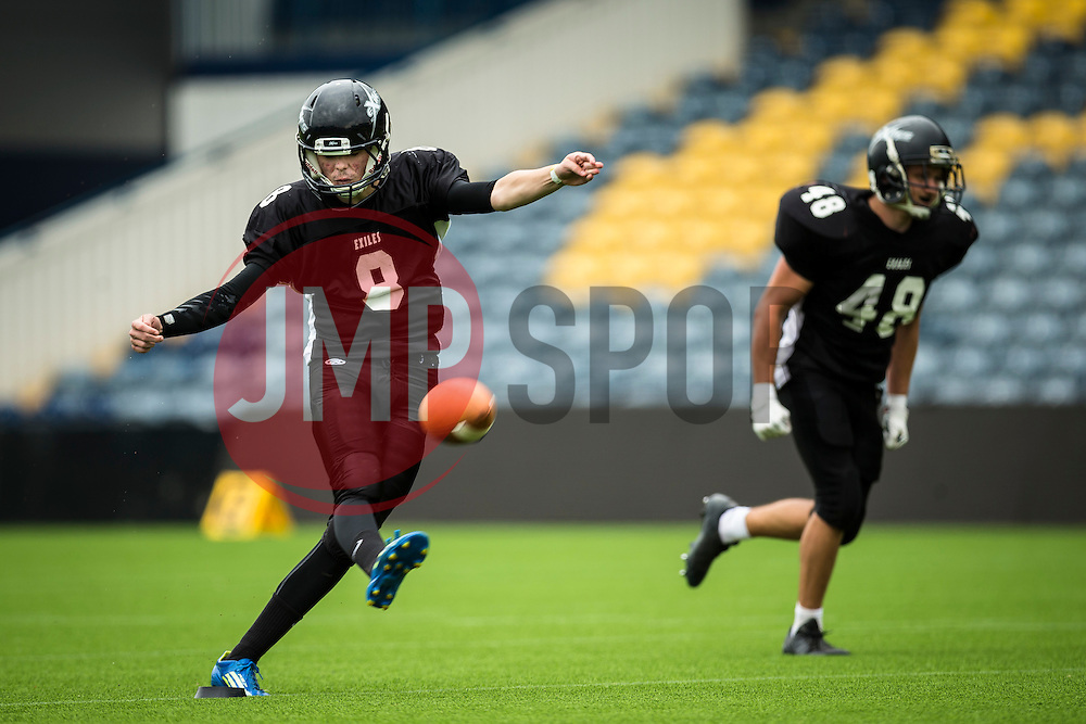 Kent Exiles kick off - Mandatory by-line: Jason Brown/JMP - 27/08/2016 - AMERICAN FOOTBALL - Sixways Stadium - Worcester, England - Kent Exiles v East Kilbride Pirates - BAFA Britbowl Finals Day