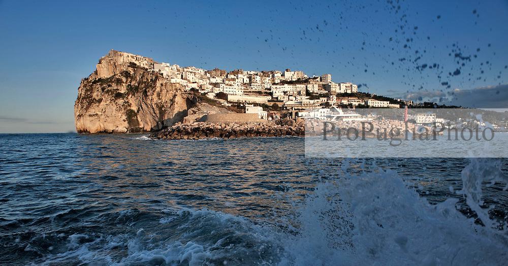 Peschici è un comune italiano di 4.383 abitanti della provincia di Foggia in Puglia. Fa parte del Parco Nazionale del Gargano e della Comunità Montana del Gargano..Rinomata località balneare, per la qualità delle sue acque di balneazione è stata più volte insignita della Bandiera Blu dalla Foundation for Environmental Education.