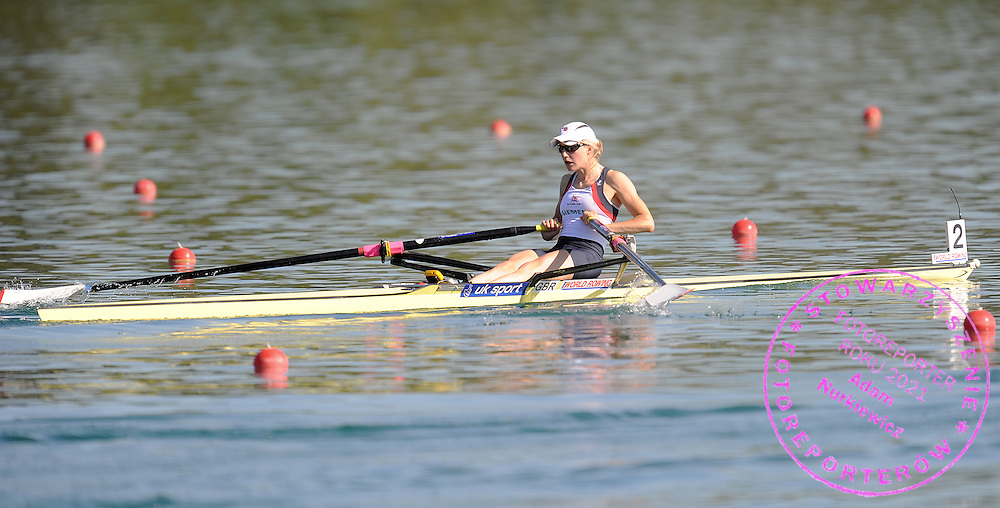 LAURA GREENHALGH (GREAT BRITAIN) COMPETES AT WOMEN'S LIGHTWEIGHT SINGE SCULLS HEAT DURING DAY 1 FISA ROWING WORLD CUP ON ESTANY LAKE IN BANYOLES, SPAIN...BANYOLES , SPAIN , MAY 29, 2009..( PHOTO BY ADAM NURKIEWICZ / MEDIASPORT )..PICTURE ALSO AVAIBLE IN RAW OR TIFF FORMAT ON SPECIAL REQUEST.