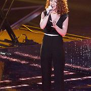NLD/Hilversum/20151205- Eerste Live uitzending The Voice 2015, Jess Glynne