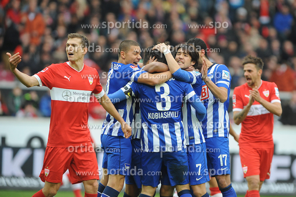 22.02.2014, Mercedes Benz Arena, Stuttgart, GER, 1. FBL, VfB Stuttgart vs Hertha BSC, 22. Runde, im Bild Pure Freude bei Hertha BSC nach dem 0:1 durch Levan Kobiashvili (Hertha BSC) Entsetzen bei Daniel Schwaab (VfB Stuttgart), links, Martin Harnik (VfB Stuttgart) ganz rechts // during the German Bundesliga 22nd round match between VfB Stuttgart and Hertha BSC at the Mercedes Benz Arena in Stuttgart, Germany on 2014/02/23. EXPA Pictures &copy; 2014, PhotoCredit: EXPA/ Eibner-Pressefoto/ Stuetzle<br /> <br /> *****ATTENTION - OUT of GER*****