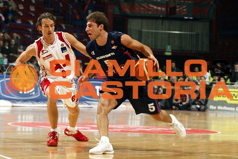 DESCRIZIONE : Milano Lega A1 2005-06 Armani Jeans Milano Lottomatica Virtus Roma <br />GIOCATORE : Giachetti<br />SQUADRA : Lottomatica Virtus Roma<br />EVENTO : Campionato Lega A1 2005-2006<br />GARA : Armani Jeans Milano Lottomatica Virtus Roma  <br />DATA : 21/01/2006<br />CATEGORIA : Palleggio<br />SPORT : Pallacanestro<br />AUTORE : Agenzia Ciamillo-Castoria/S.Ceretti