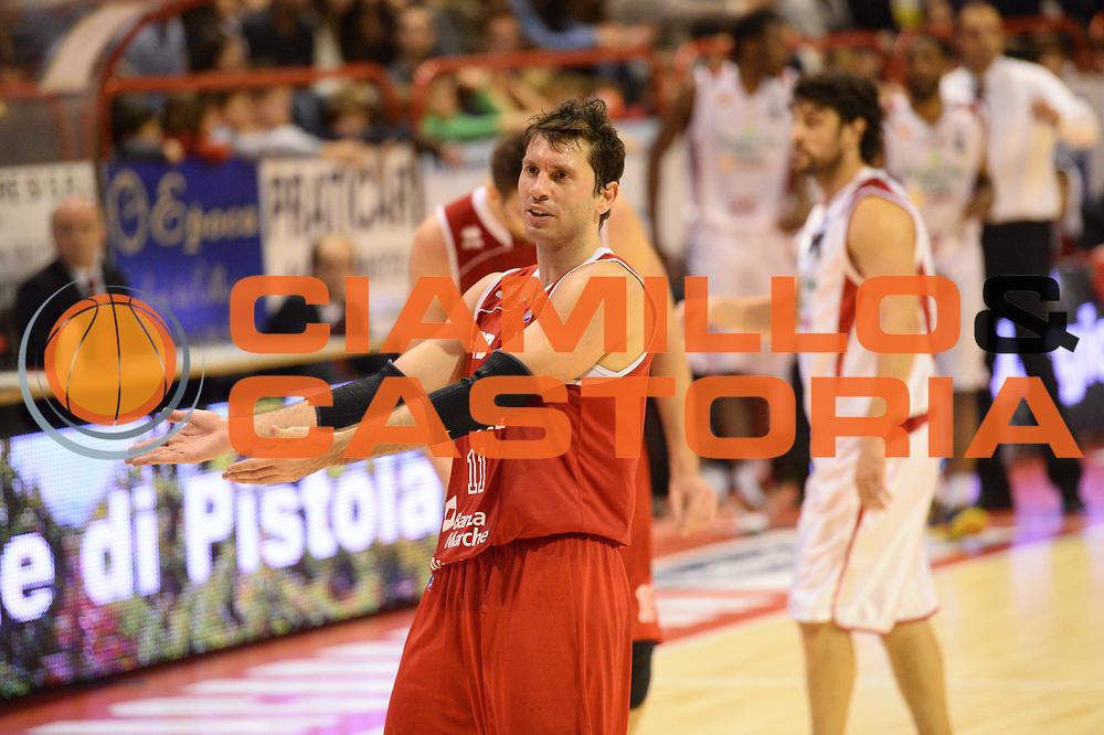 DESCRIZIONE : Pistoia Lega serie A 2013/14  Giorgio Tesi Group Pistoia Pesaro<br /> GIOCATORE : pecile andrea<br /> CATEGORIA : delusione<br /> SQUADRA : Pesaro Basket<br /> EVENTO : Campionato Lega Serie A 2013-2014<br /> GARA : Giorgio Tesi Group Pistoia Pesaro Basket<br /> DATA : 24/11/2013<br /> SPORT : Pallacanestro<br /> AUTORE : Agenzia Ciamillo-Castoria/M.Greco<br /> Galleria : Lega Seria A 2013-2014<br /> Fotonotizia : Pistoia  Lega serie A 2013/14 Giorgio  Tesi Group Pistoia Pesaro Basket<br /> Predefinita :