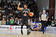 DESCRIZIONE : Beko Legabasket Serie A 2015- 2016 Dinamo Banco di Sardegna Sassari - Pasta Reggia Juve Caserta<br /> GIOCATORE : Peyton Siva<br /> CATEGORIA : Palleggio Schema Mani<br /> SQUADRA : Pasta Reggia Juve Caserta<br /> EVENTO : Beko Legabasket Serie A 2015-2016<br /> GARA : Dinamo Banco di Sardegna Sassari - Pasta Reggia Juve Caserta<br /> DATA : 03/04/2016<br /> SPORT : Pallacanestro <br /> AUTORE : Agenzia Ciamillo-Castoria/C.Atzori