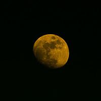 Orange Moon Night, Iveragh Peninsula, Ireland / lg038