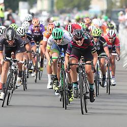 TIEL (NED) wielrennen   <br /> Lisa Brennauer heeft de vijfde etappe van de Boels Rental Ladies Tour gewonnen. De Duitse van Canyon-Sram toonde zich in Tiel de snelste van het peloton.Loren Rowney (Orica-AIS) was tweede, Jolien D'hoore derde. Op de vierde plaats was Nina Kessler de beste Nederlandse.