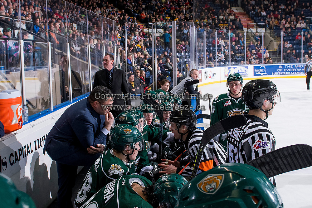KELOWNA, BC - JANUARY 09: Everett Silvertips' head coach Dennis Williams speaks to the referee at the bench against the Kelowna Rockets at Prospera Place on January 9, 2019 in Kelowna, Canada. (Photo by Marissa Baecker/Getty Images)