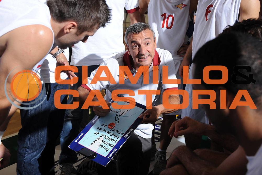 DESCRIZIONE : Ferrara Lega A 2011-2012 Trofeo NaturHouse Virtus Roma Angelico Biella<br /> GIOCATORE : Lino Lardo<br /> CATEGORIA : timeout<br /> SQUADRA : Virtus Roma <br /> EVENTO : Campionato Lega A 2011-2012<br /> GARA : Virtus Roma Angelico Biella<br /> DATA : 24/09/2011<br /> SPORT : Pallacanestro<br /> AUTORE : Agenzia Ciamillo-Castoria/M.Marchi<br /> Galleria : Lega Basket A 2010-2011  <br /> Fotonotizia : Ferrara Lega A 2011-2012 Trofeo NaturHouse Virtus Roma Angelico Biella<br /> Predefinita :