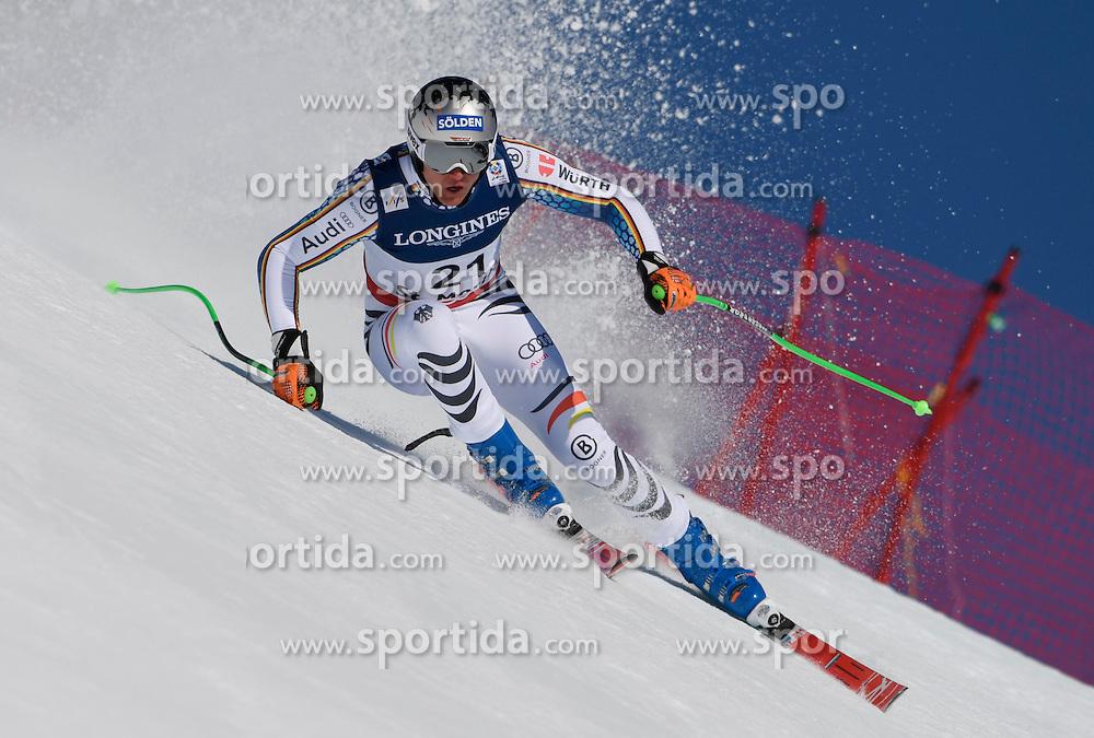 13.02.2017, St. Moritz, SUI, FIS Weltmeisterschaften Ski Alpin, St. Moritz 2017, alpine Kombination, Herren, Abfahrt, im Bild Thomas Dressen (GER) // Thomas Dressen of Germany in action during his run of downhill for the men's Alpine combination of the FIS Ski World Championships 2017. St. Moritz, Switzerland on 2017/02/13. EXPA Pictures &copy; 2017, PhotoCredit: EXPA/ Sammy Minkoff<br /> <br /> *****ATTENTION - OUT of GER*****