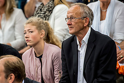 12-05-2017 NED: Nederland - Tsjechië, Amstelveen<br /> De Nederlandse volleybal mannen spelen hun eerste oefeninterland in de Emergohal in Amstelveen tegen Tsjechië. Deze wedstrijd staat in het teken van de verplaatsing van het Bankrasmomument. Nederland speelde daarom in speciale oude Nederlandse shirts uit 1992 / Toon van der Burgt