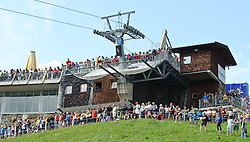05.07.2010, AUT, 62. Österreich Rundfahrt, 2. Etappe, Landeck-Kitzbüheler Horn, im Bild Zuseher, Fans am Kitzbüheler Horn, EXPA Pictures © 2010, PhotoCredit: EXPA/ S. Zangrando / SPORTIDA PHOTO AGENCY