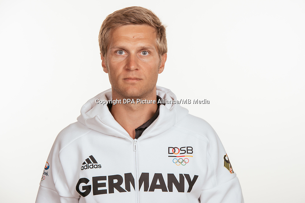 Felix Michel poses at a photocall during the preparations for the Olympic Games in Rio at the Emmich Cambrai Barracks in Hanover, Germany, taken on 19/07/16 | usage worldwide