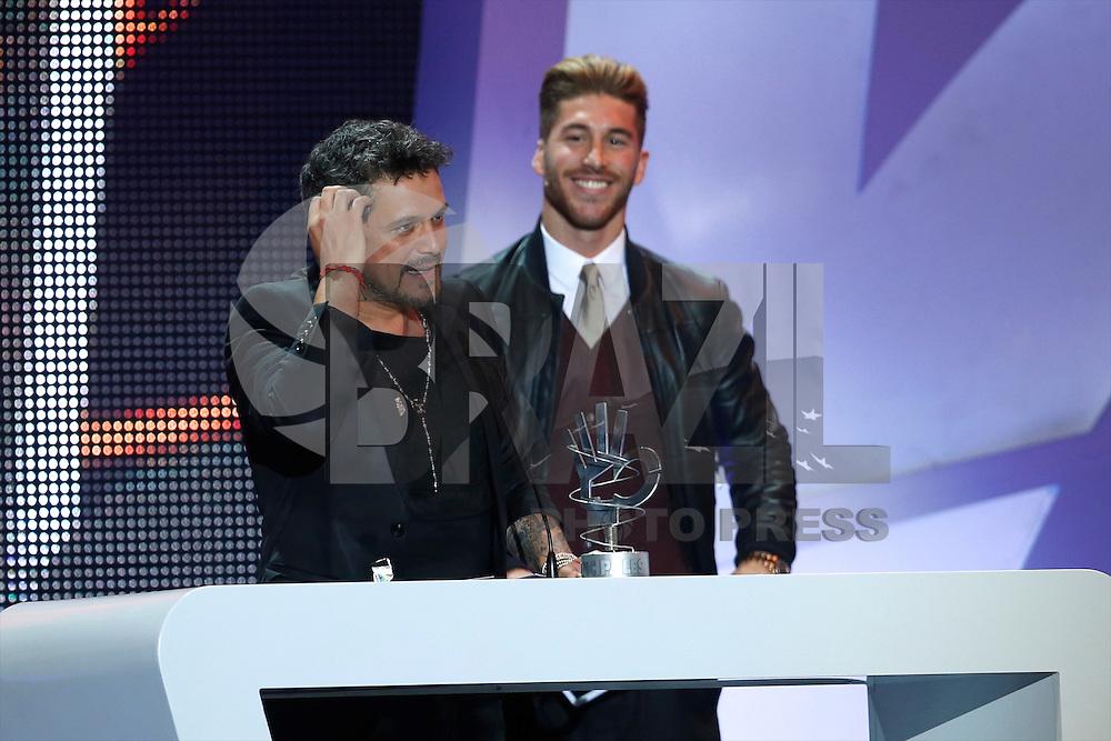 ATENCAO EDITOR IMAGEM EMBARGADA PARA VEICULOS INTERNACIONAIS - MADRI, ESPANHA, 25 JANEIRO 2013 - O cantor Alejandro Sanz durante cerimonia de Premiacao dos 40 Melhores do Ano, principal prêmio da musica espanhol, realizado em Madri capital da Espanha, na noite de ontem, 24. (FOTO: CESAR CEBOLA / ALFAQUI / BRAZIL PHOTO PRESS)..