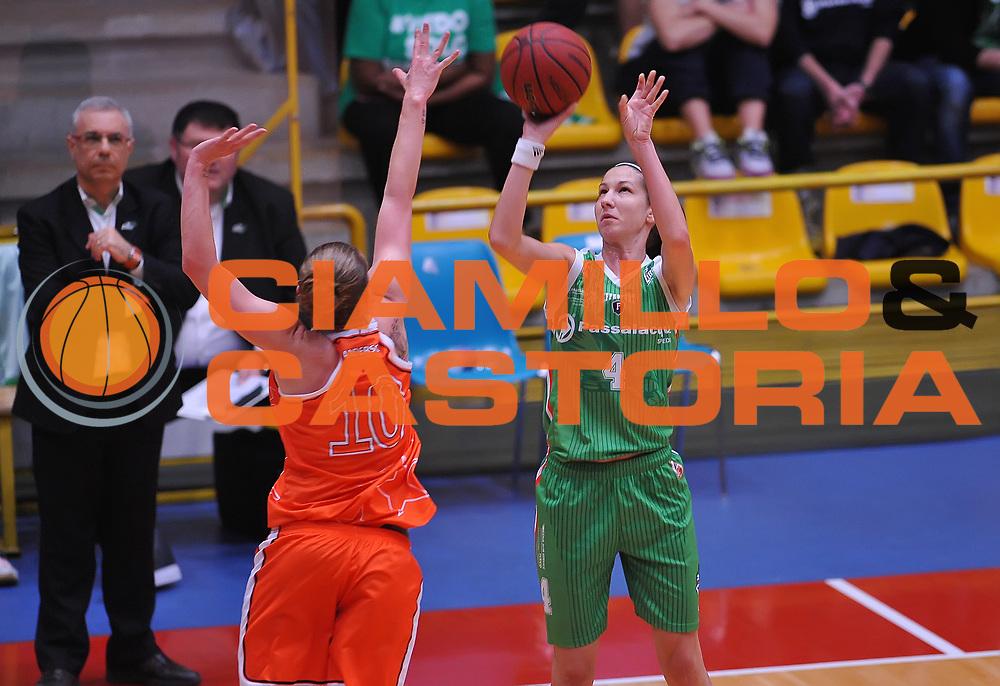 DESCRIZIONE : Campionato 2014/15 Famila Wuber Schio - Passalacqua Ragusa<br /> GIOCATORE : Izevic Jelena<br /> CATEGORIA : tiro three points<br /> SQUADRA : Passalacqua Ragusa<br /> EVENTO : LegaBasket Serie A Femminile 2014/2015<br /> GARA :Famila Wuber Schio - Passalacqua Ragusa<br /> DATA : 24/04/2015<br /> SPORT : Pallacanestro <br /> AUTORE : Agenzia Ciamillo-Castoria/A.Scaroni<br /> Predefinita :