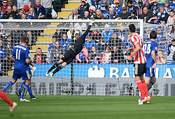 Kasper Schmeichel of Leicester City tips a shot over the bar from Jose Fonte of Southampton - Mandatory by-line: Alex James/JMP - 03/04/2016 - FOOTBALL - King Power Stadium - Leicester, England - Leicester City v Southampton - Barclays Premier League