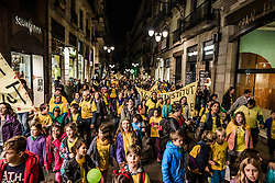November 12, 2016 - Barcelona, Catalonia, Spain - Students, teachers and parents protest the current Catalan education budget of 2.4% GDP and demand a raise to 6% of GDP to comply fully with Catalan Education Law while they march through Barcelona. (Credit Image: © Matthias Oesterle via ZUMA Wire)