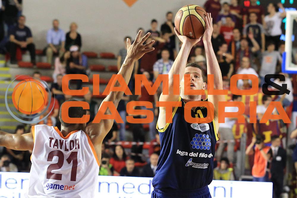 DESCRIZIONE : Roma Lega A 2012-2013 Acea Roma Sutor Montegranaro<br /> GIOCATORE : Amoroso Valerio<br /> CATEGORIA : tiro<br /> SQUADRA : Sutor Montegranaro<br /> EVENTO : Campionato Lega A 2012-2013 <br /> GARA : Acea Roma Sutor Montegranaro<br /> DATA : 05/05/2013<br /> SPORT : Pallacanestro <br /> AUTORE : Agenzia Ciamillo-Castoria/M.Simoni<br /> Galleria : Lega Basket A 2012-2013  <br /> Fotonotizia : Roma Lega A 2012-2013 Acea Roma Sutor Montegranaro<br /> Predefinita :