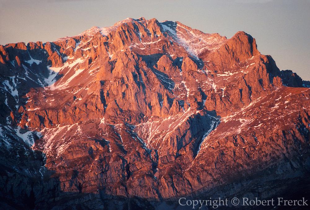 SPAIN, NORTH, ASTURIAS 'Picos de Europa' , Valdeon Valley