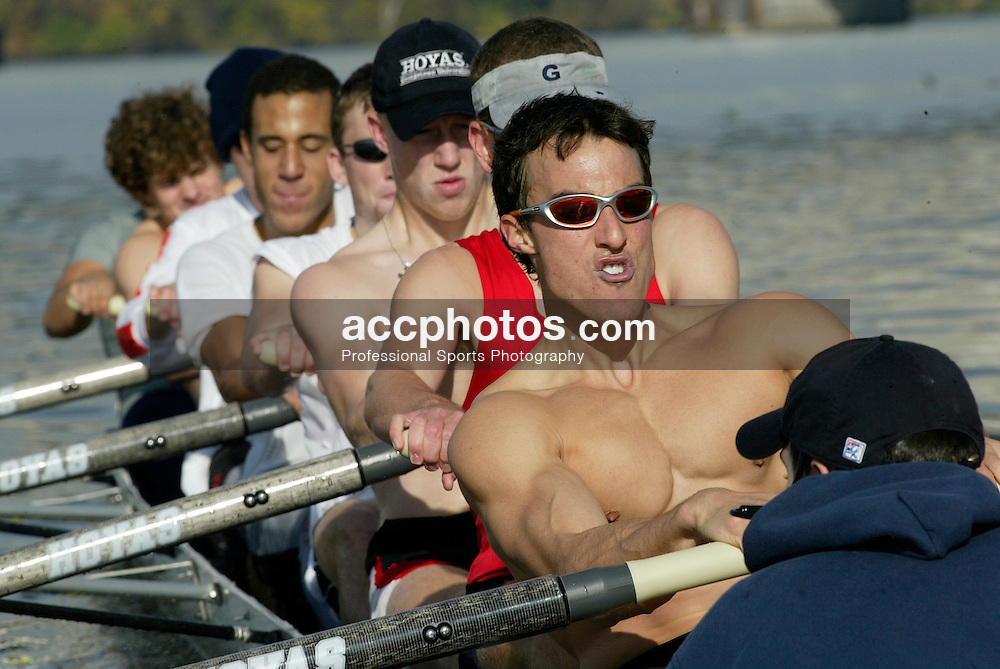 09 November 2002:  Georgetown Crew during a morning practice on the Potomac River in Washington, DC.