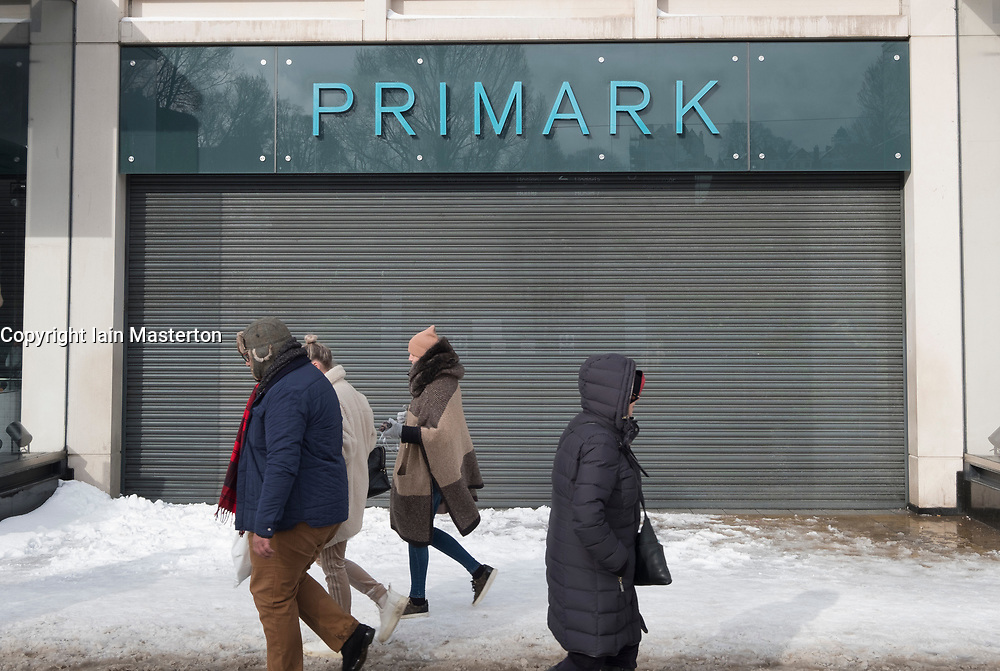 Edinburgh, Scotland, United Kingdom, 1 March, 2018. Heavy snowfalls continue across the city from the storm known as The Beast from the East. Most shops are closed and transport services have been cancelled. Pictured, Primark shop closed on Princes Street,