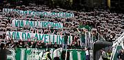 DESCRIZIONE : Avellino Lega A 2011-12 Sidigas Avellino Vanoli Braga Cremona<br /> GIOCATORE : Tifosi Sidigas Avellino<br /> SQUADRA : Sidigas Avellino<br /> EVENTO : Campionato Lega A 2011-2012<br /> GARA : Sidigas Avellino Vanoli Braga Cremona<br /> DATA : 03/01/2012<br /> CATEGORIA : proteste<br /> SPORT : Pallacanestro<br /> AUTORE : Agenzia Ciamillo-Castoria/A.De Lise<br /> Galleria : Lega Basket A 2011-2012<br /> Fotonotizia : Avellino Lega A 2011-12 Sidigas Avellino Vanoli Braga Cremona<br /> Predefinita :