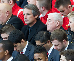 15.04.2013, Anfield Road, Liverpool, ENG, PL, Liverpool FC, 24. Jahrestag der Hillsborough Katastrophe, im Bild Former Liverpool player Alan Hansen and manager Roy Evans during the 24th Anniversary Hillsborough Service at Anfield, Liverpool, United Kingdom on 2013/04/15. EXPA Pictures © 2013, PhotoCredit: EXPA/ Propagandaphoto/ David Rawcliffe..***** ATTENTION - OUT OF ENG, GBR, UK *****