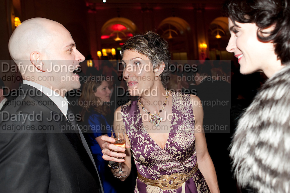 JONNY LEE MILLER; TAMSIN GREIG; MICHELLE HICKS, Post Olivier Awards Gala party. Waldorf Astoria. London. 13 March 2011. -DO NOT ARCHIVE-© Copyright Photograph by Dafydd Jones. 248 Clapham Rd. London SW9 0PZ. Tel 0207 820 0771. www.dafjones.com.