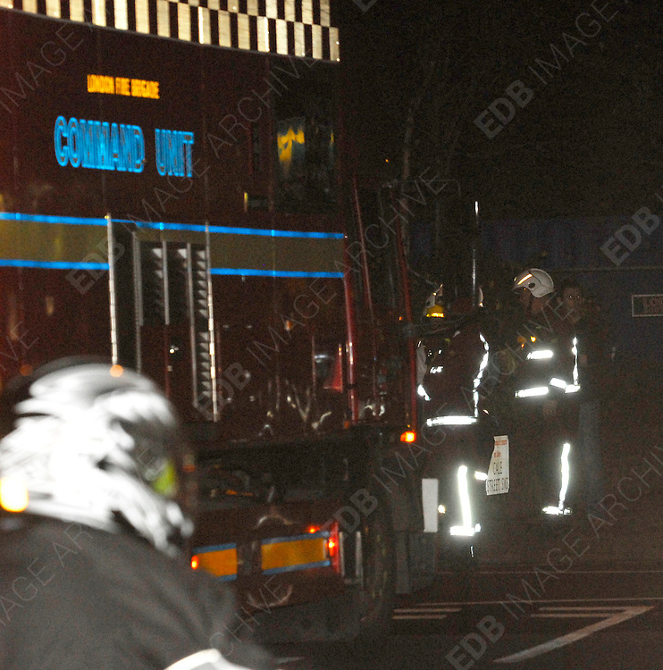 05.JUNE.2007. LONDON<br /> <br /> POLICE, AMBULANCE, THE FIRE BRIGADE AND THE SCIENTIFIC SUPPORT UNIT ATTEND TO A GAS LEAK AT THE ROYAL BROMPTON HOSPITAL, SYDNEY STREET KNIGHTSBRIDGE, THEY TAPED OFF ALL THE ROAD CONNECTING TO THE HOSPITAL AS THEY THOUGHT THERE MIGHT BE AN EXPLOSION.<br /> <br /> BYLINE: EDBIMAGEARCHIVE.CO.UK<br /> <br /> *THIS IMAGE IS STRICTLY FOR UK NEWSPAPERS AND MAGAZINES ONLY*<br /> *FOR WORLD WIDE SALES AND WEB USE PLEASE CONTACT EDBIMAGEARCHIVE - 0208 954 5968*