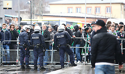 09.02.2014, Gerhard Hanappi Stadion, Wien, AUT, 1. FBL, SK Rapid Wien vs FK Austria Wien, 22. Runde, im Bild Absperrung der Polizei vor dem Spiel // during a Austrian Bundesliga Football 22nd round match between SK Rapid Vienna and FK Austria Vienna at the Gerhard Hanappi Stadion, Wien, Austria on 2014/02/09. EXPA Pictures © 2014, PhotoCredit: EXPA/ Thomas Haumer