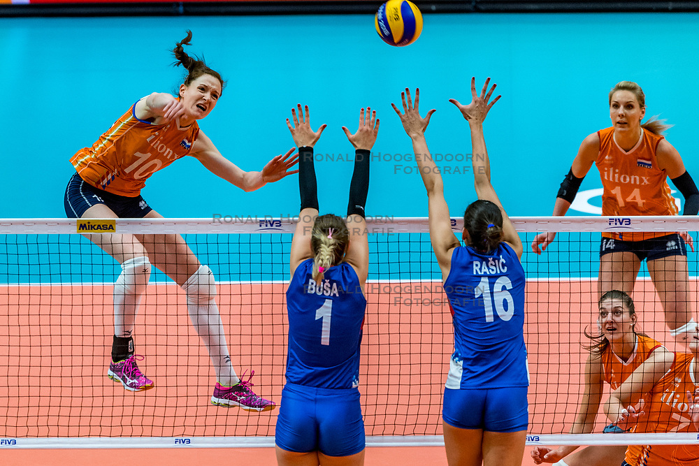 19-10-2018 JPN: Semi Final World Championship Volleyball Women day 18, Yokohama<br /> Serbia - Netherlands / Lonneke Sloetjes #10 of Netherlands, Bianka Busa #1 of Serbia,  of Netherlands