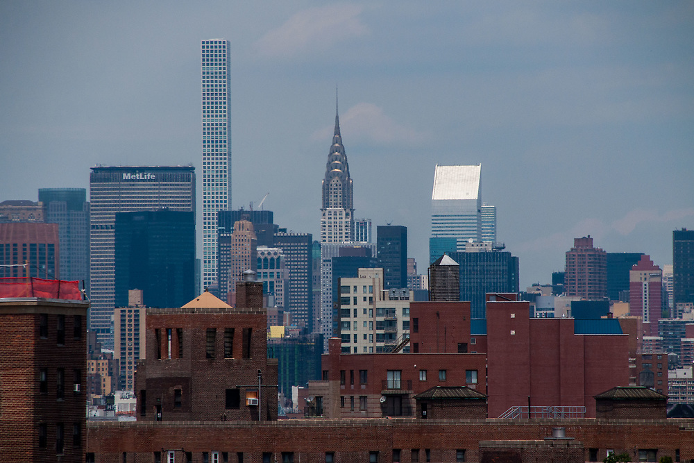 MetLife, 432 Park Avemue and the Chrysler Building from the Brooklyn Bridge, New York, US