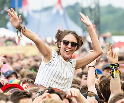 © Licensed to London News Pictures. 30/08/2015. Reading, UK. Festival goers watch Jamie T performing at Reading Festival 2015, Day 3 Sunday.  Photo credit: Richard Isaac/LNP