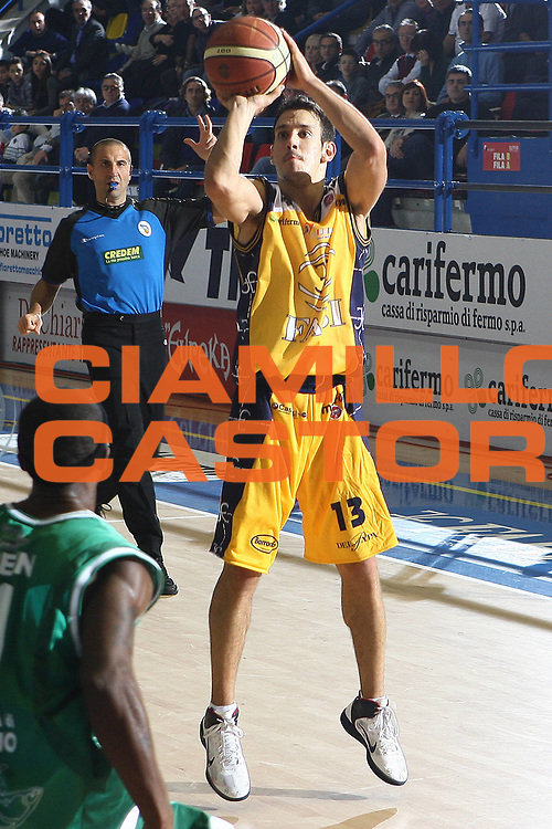 DESCRIZIONE : Porto San Giorgio Lega A 2010-11 Fabi Montegranaro Air Avellino <br /> GIOCATORE : Antonio Maestranzi<br /> SQUADRA : Fabi Montegranaro<br /> EVENTO : Campionato Lega A 2010-2011<br /> GARA : Fabi Montegranaro Air Avellino<br /> DATA : 14/11/2010<br /> CATEGORIA : tiro<br /> SPORT : Pallacanestro<br /> AUTORE : Agenzia Ciamillo-Castoria/C.De Massis<br /> Galleria : Lega Basket A 2010-2011<br /> Fotonotizia : Porto San Giorgio Lega A 2010-11 Fabi Montegranaro Air Avellino <br /> Predefinita :