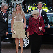 NLD/Amsterdam/20110913 - 50-jarig jubileumgala Het Nationaal Ballet, Prinses Maxima, Koningin Beatrix en Prins Willem Alexander