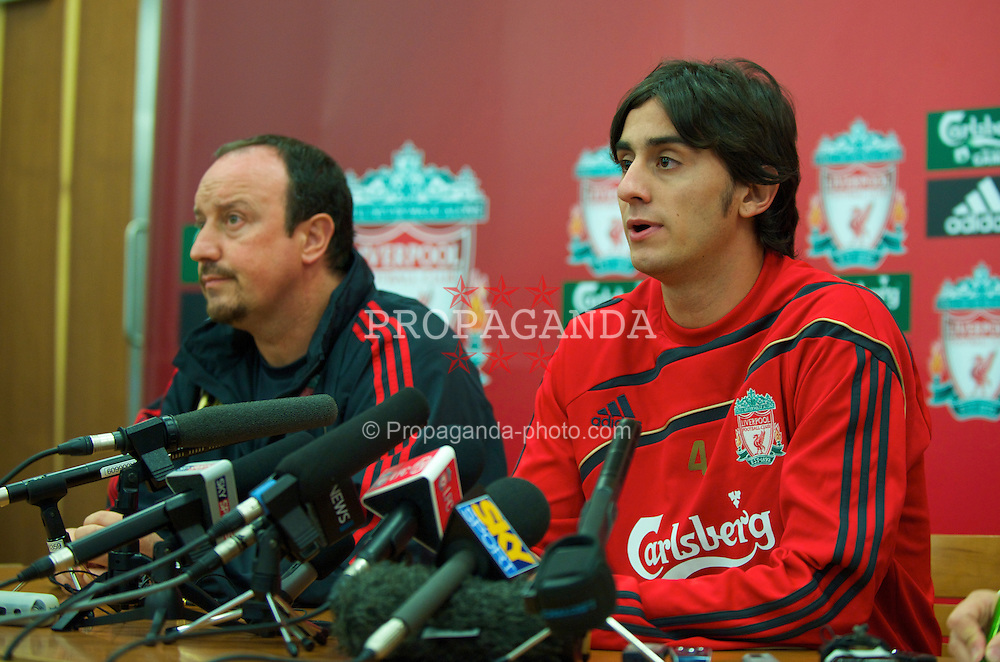 LIVERPOOL, ENGLAND - Thursday, August 13, 2009: Liverpool's new signing Alberto Aquilani, who joins the club from Italian side AS Roma, and manager Rafael Benitez, during a press conference at Melwood Training Ground. (Photo by David Rawcliffe/Propaganda)
