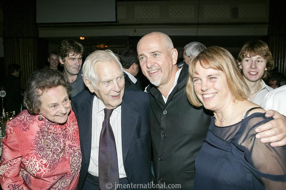 Peter Gabriel, mum, dad and sister