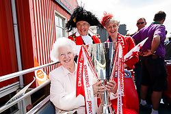 Marina Dolman poses with the JPT silverware and the Lord and Lady Mayor during the Bristol City open top bus parade to celebrate winning both the League 1 and Johnstone's Paint Trophy titles this season and promotion to the Championship - Photo mandatory by-line: Rogan Thomson/JMP - 07966 386802 - 04/05/2015 - SPORT - FOOTBALL - Bristol, England - Bristol City Bus Parade.